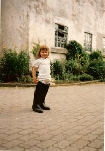 Emily in Schweindorf0001