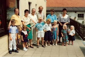 Schweindorf 7.1990 new German family0001